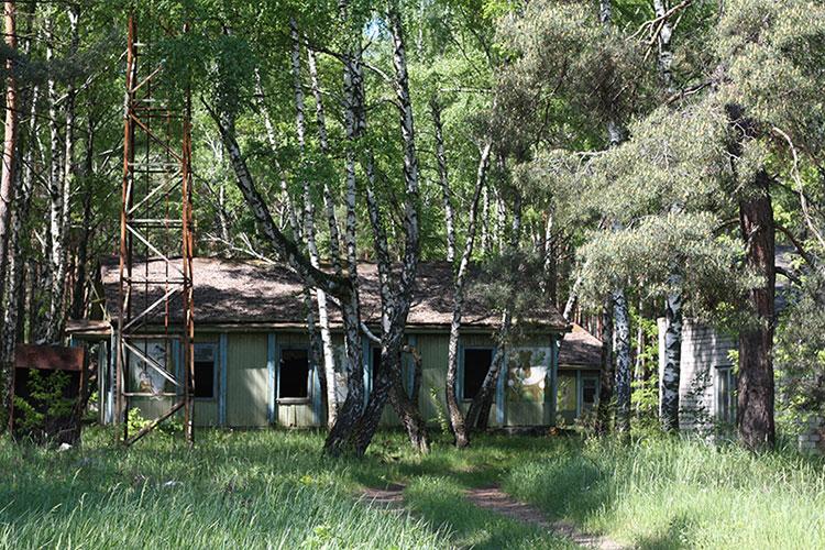 полуостров Трахтемиров, Украина, заброшенный пионерский лагерь