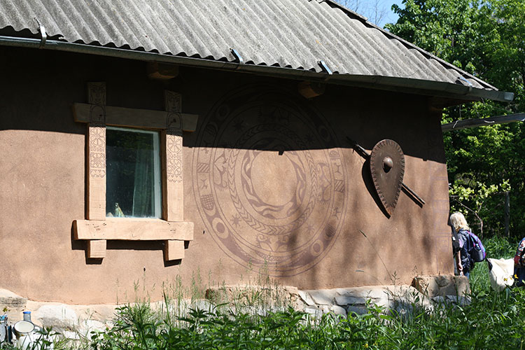 полуостров Трахтемиров, Украина, дом-музей Скифа